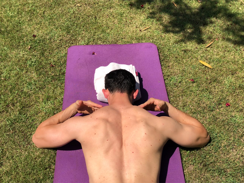 5 exercises to improve posture and decrease the risk of shoulder injury